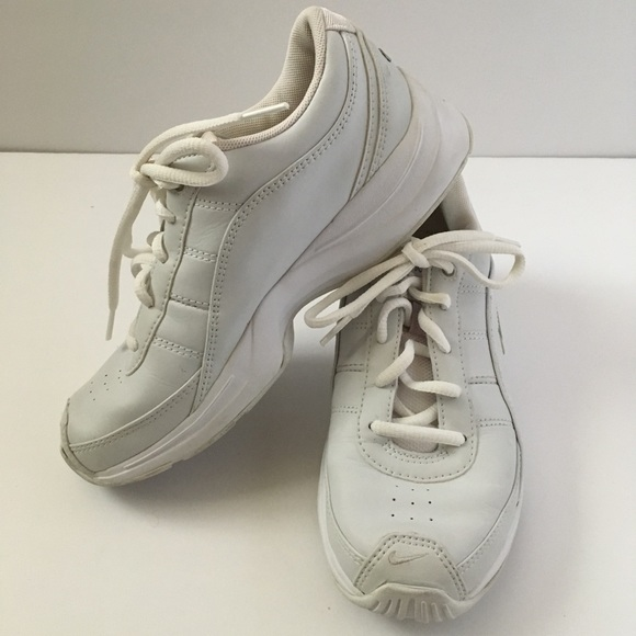 Nike White Gray Leather Energy Cheer Shoes 6